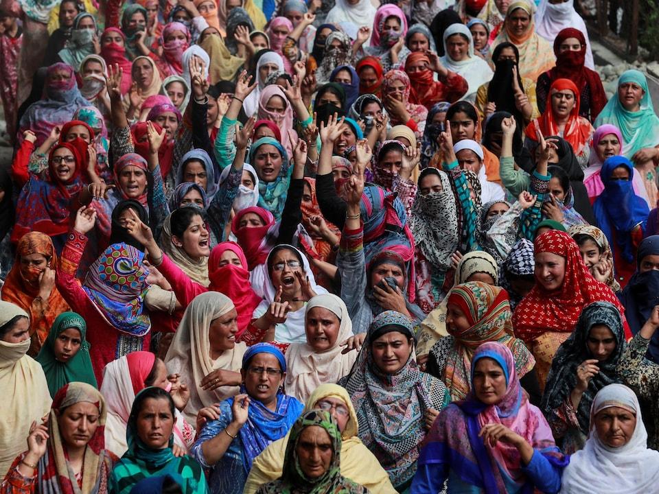 Des femmes voilées au Cachemire.