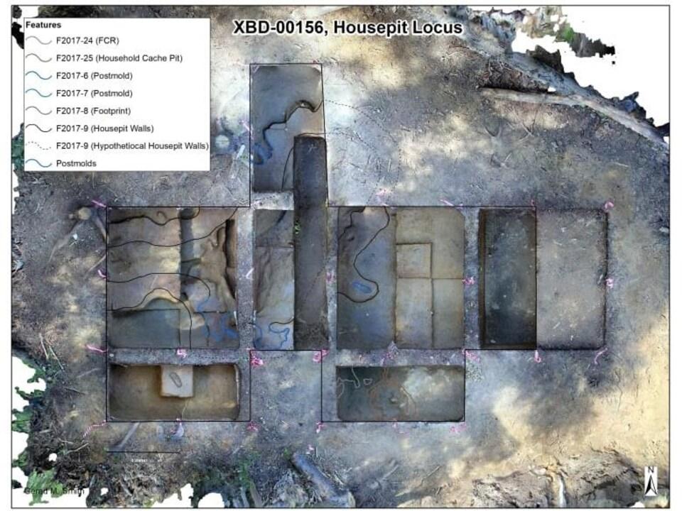 Une image illustrant la localisation de maisons en fosse sur le site archéologique de Swan Point.