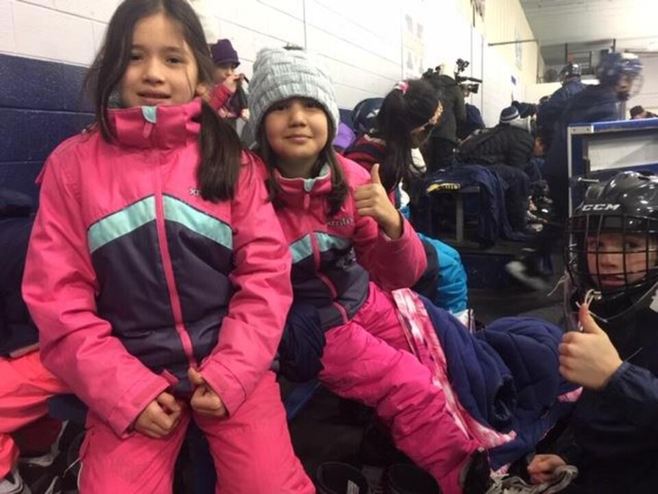 En décembre dernier, une trentaine de jeunes moins bien nantis ont reçu de l'équipement pour pouvoir patiner et jouer au hockey.