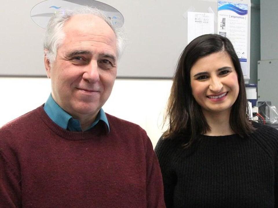 Le Pr Alfonso Martinez-Arias et la Dre Naomi Moris du Département de génétique de l'Université de Cambridge.