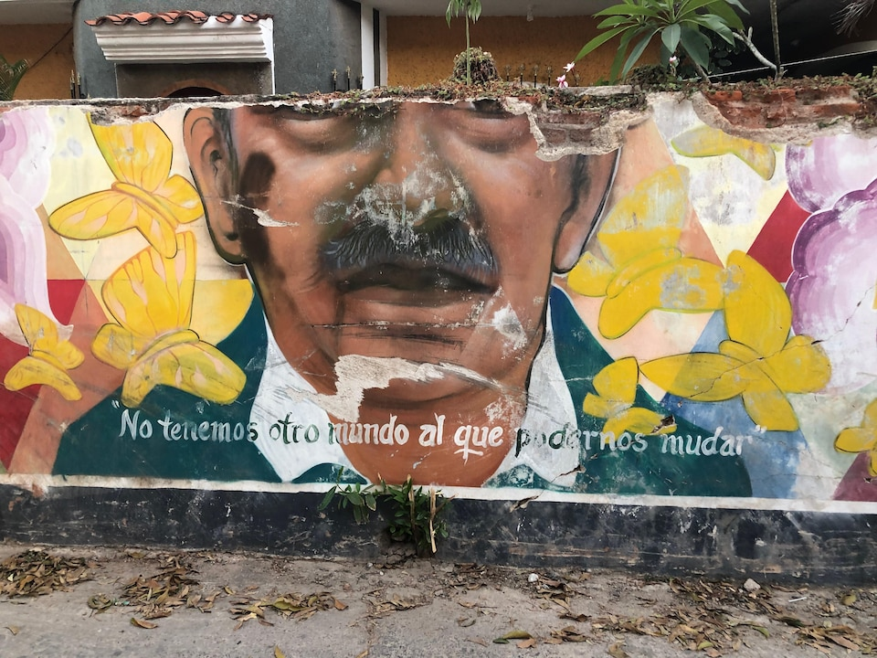 Une murale en mauvais état.