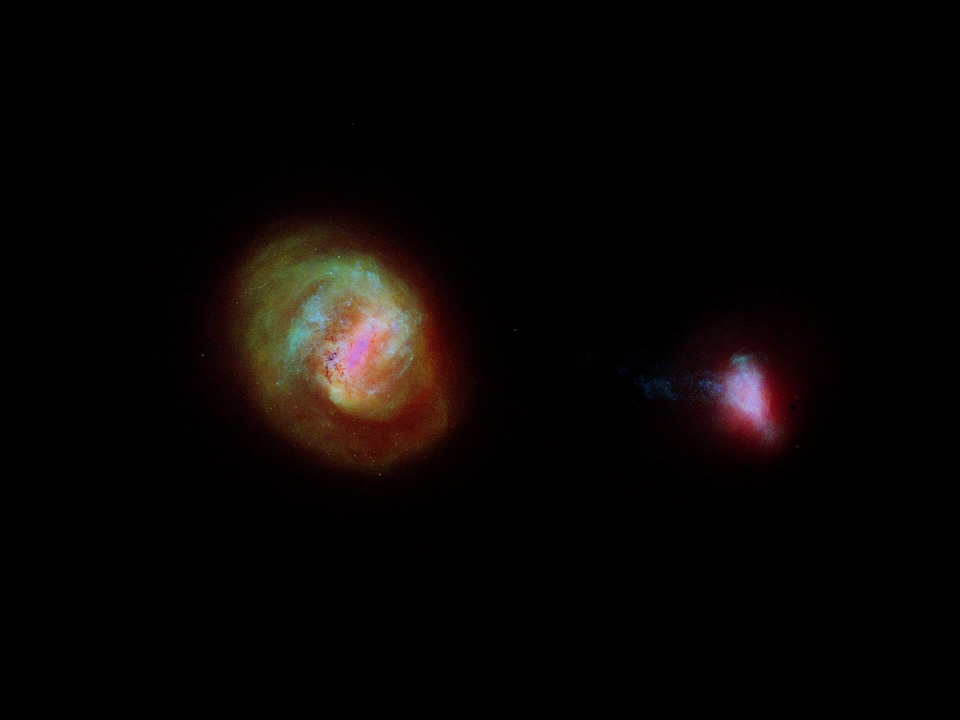 Le Grand et le Petit Nuage de Magellan, deux galaxies naines qui gravitent autour de la Voie lactée.