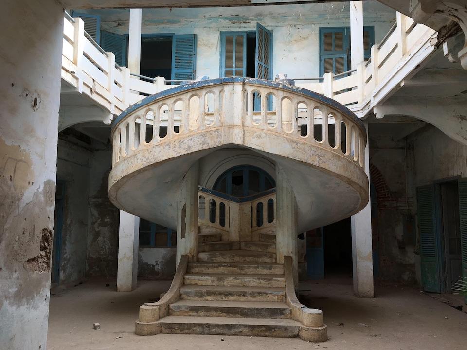 L'escalier à double révolution.