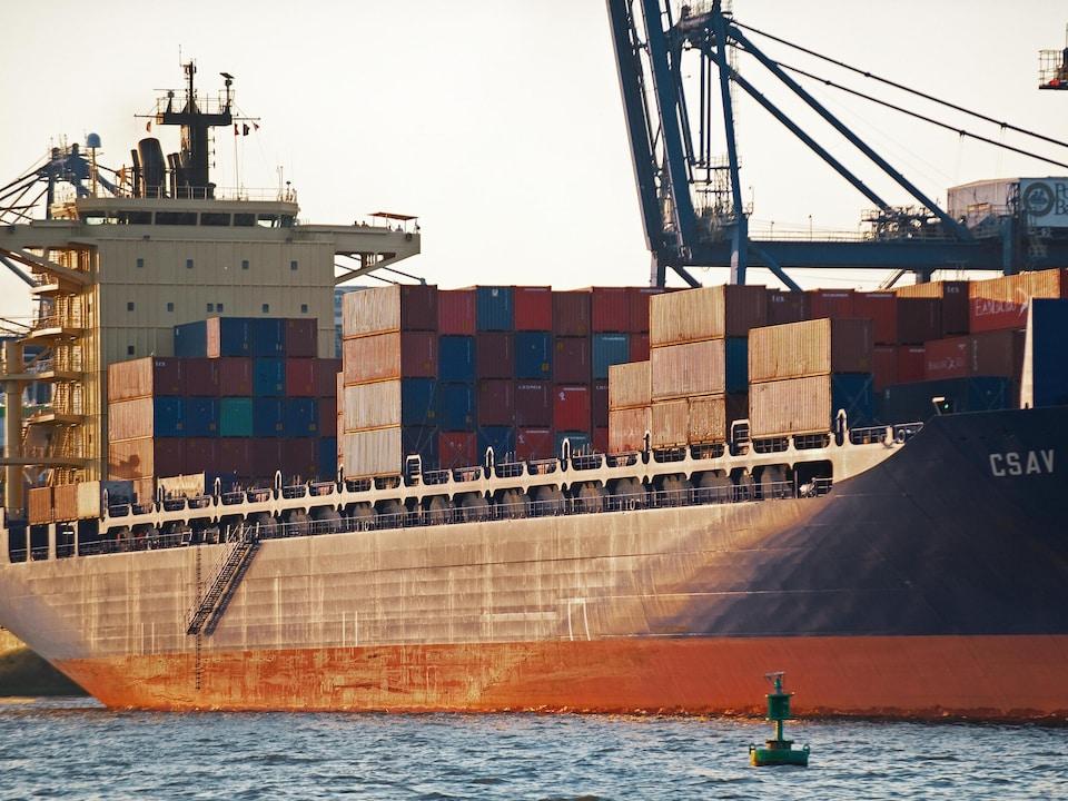 Un porte-conteneurs dans le port de Baltimore