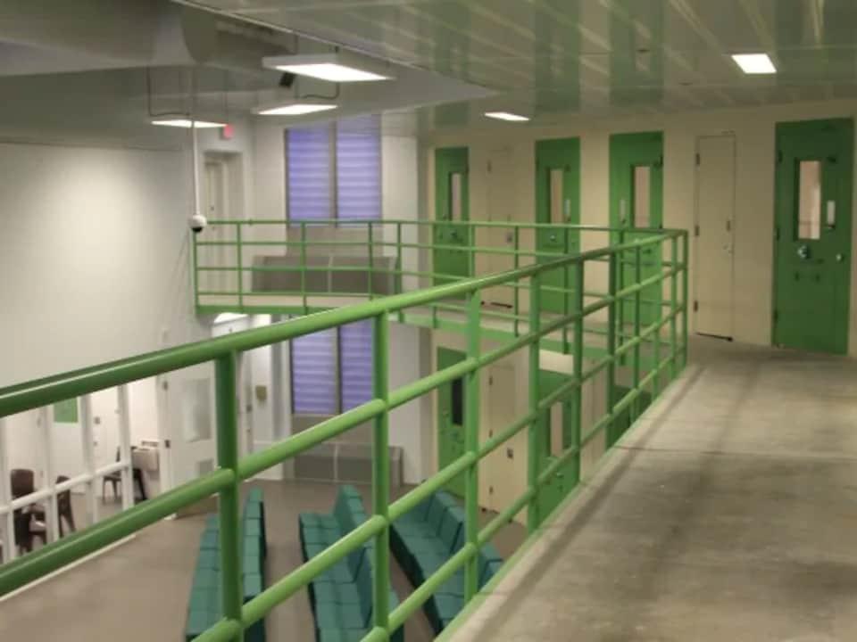 Un corridor dans une prison