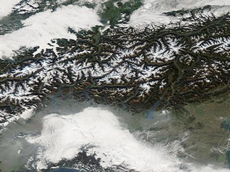 Image satellite de la Suisse.