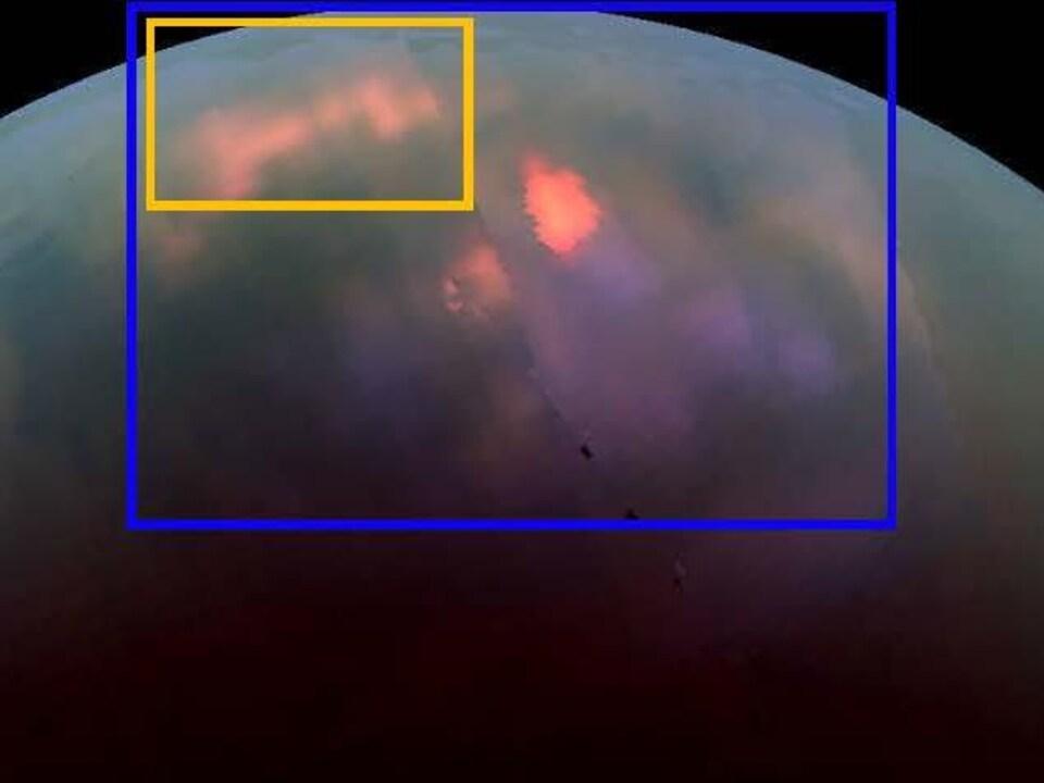Image de Titan montrant la zone où se déroulent les pluies saisonnières.