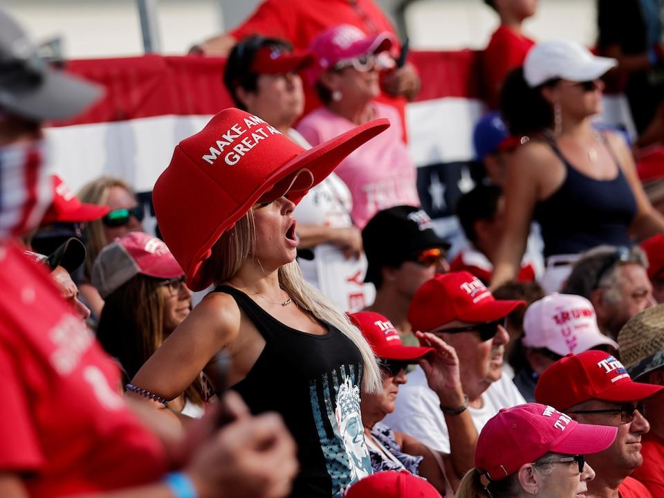 Des partisans de Donald Trump lors d'un rassemblement.