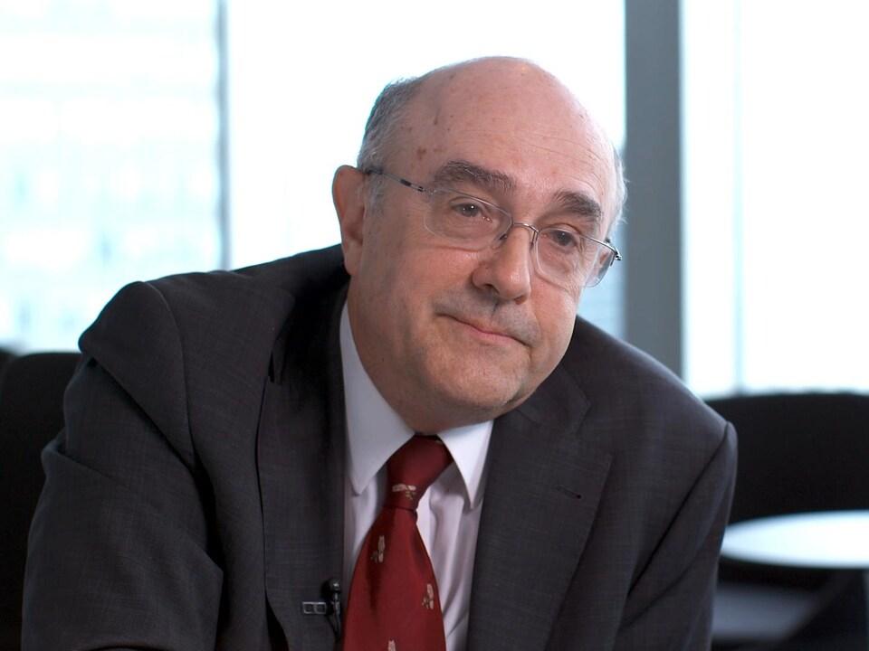Yves Robert.