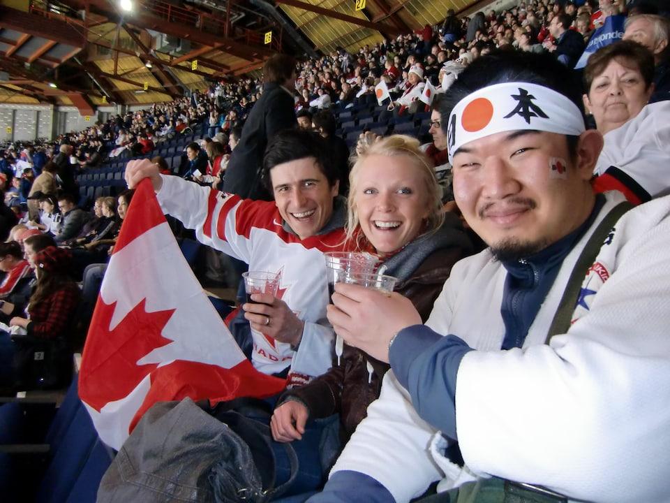 Kazunori Takishima dans les estrades d'une compétition aux Jeux de Vancouver.