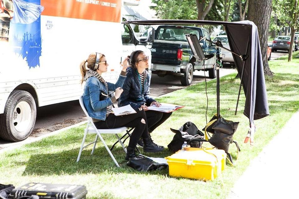 La réalisatrice associée Geneviève Tardif et la réalisatrice Jessica L'Heureux.