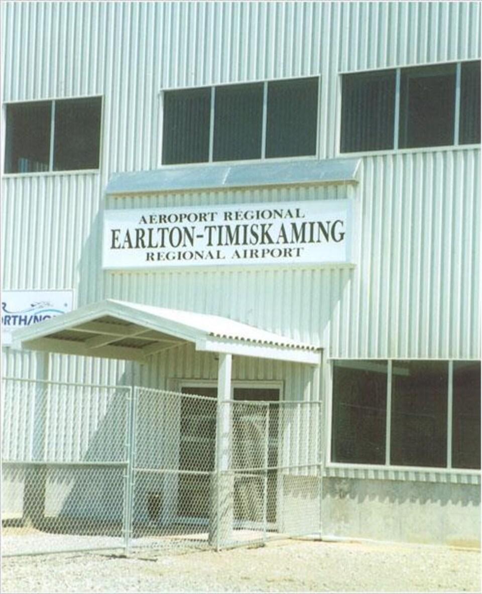 Pancarte de l'aéroport régional Earlton-Timiskaming.