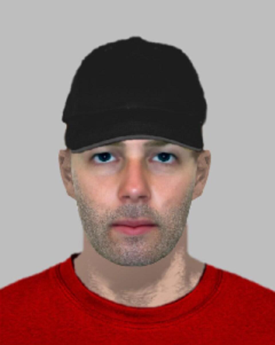 Photo d'un homme portant un t-shirt rouge et une casquette noire