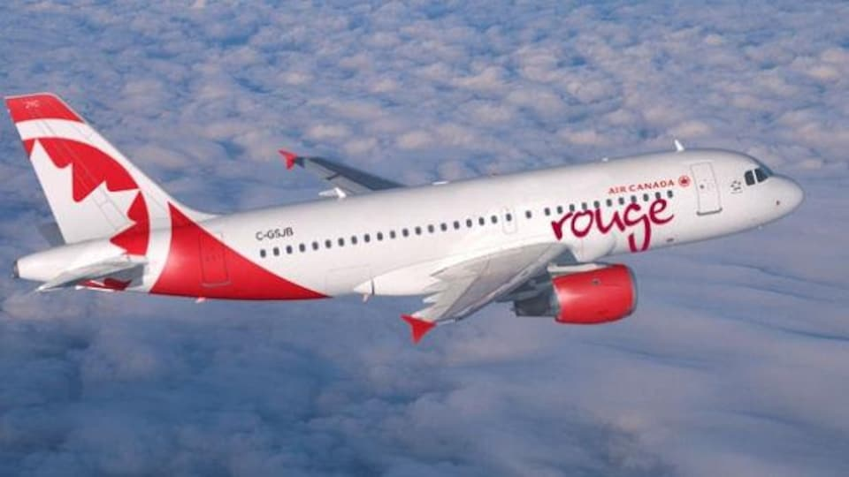Un avion d'Air Canada Rouge