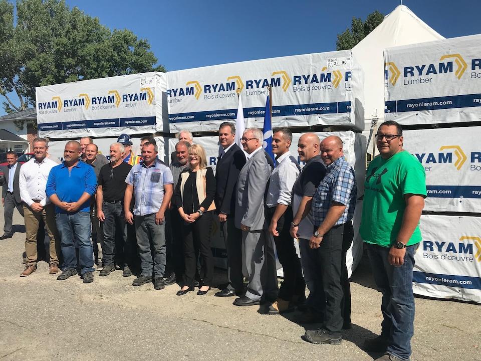 Matériaux innovants Rayonier investit plus de 72 millions dans ses 3 usines de l'Abitibi-Témiscamingue.