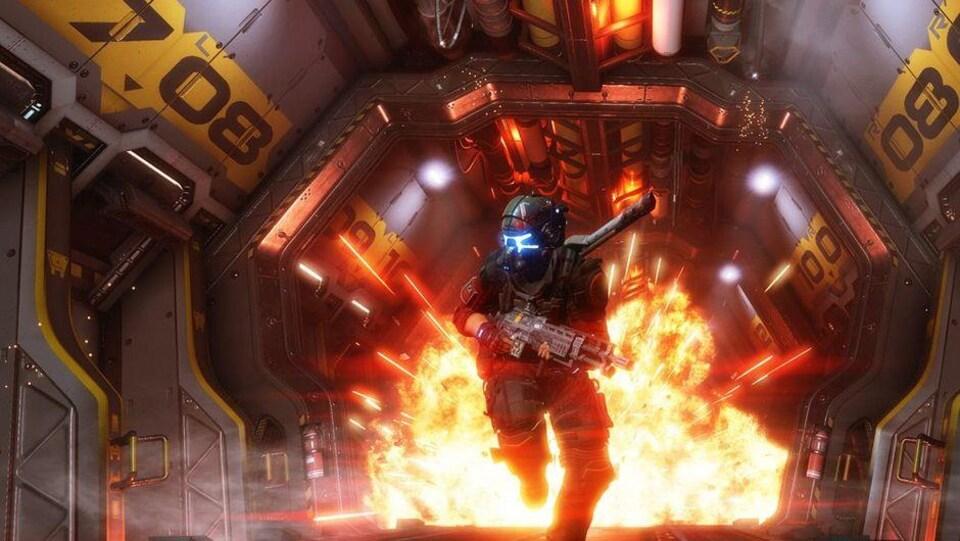 Capture d'écran du jeu Apex Legends. Un personnage avec un fusil court.