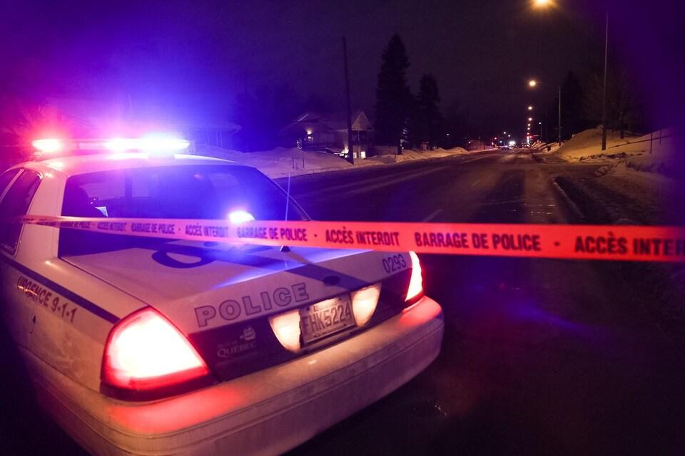 Perquisition policière dans la nuit du 30 janvier 2017 après l'attentat au Centre culturel islamique de Québec.