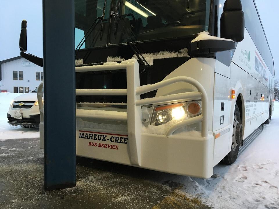 Autobus Maheux a adapté un de ses véhicules d'équipements spéciaux pour assurer la sécurité de ces passagers qui voyagent vers Chisasibi.