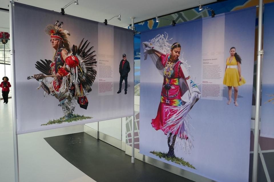 Des portraits présentant des Autochtones en costumes traditionnels.