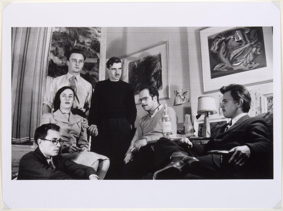 Portrait d'artistes automatistes dans l'atelier de Fernand Leduc, en 1946
