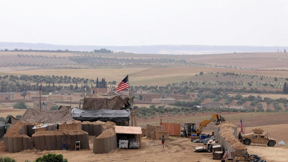 Vue d'une base militaire américaine à Manbij, dans le nord de la Syrie.