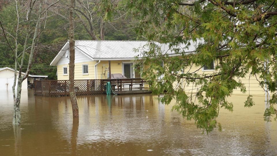 Une maison inondée à Bracebridge