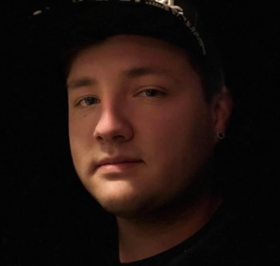 Portrait du jeune homme de 22 ans d'Elsipogtog.