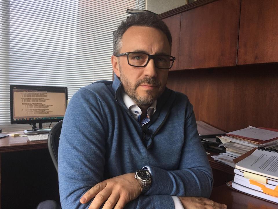 Christian Michaud dans son bureau