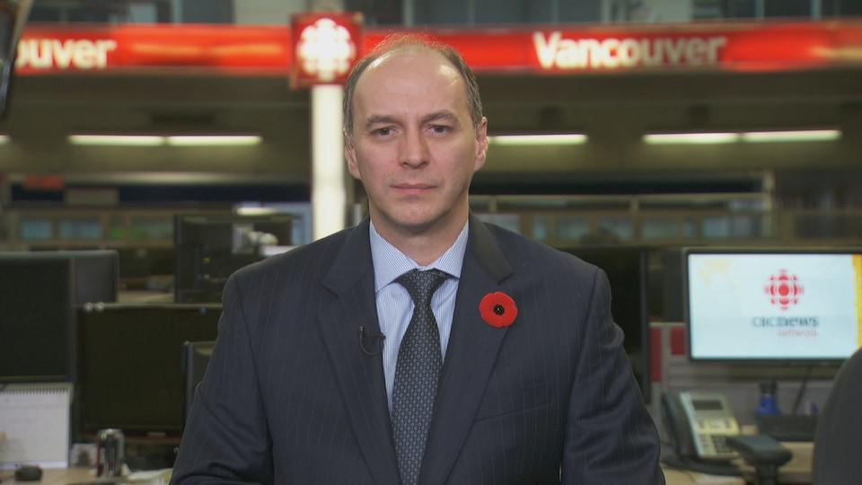 Photo de Christopher Taucar dans le studios de CBC Vancouver