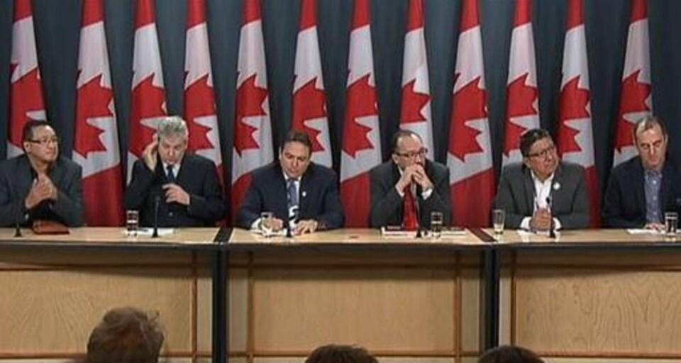 La conférence de presse des représentants des Premières Nations à Ottawa jeudi.