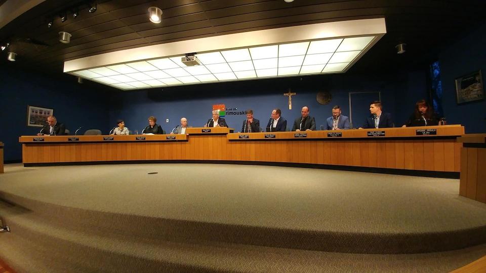 Le conseil municipal de Rimouski lors de la séance du 22 mai 2018