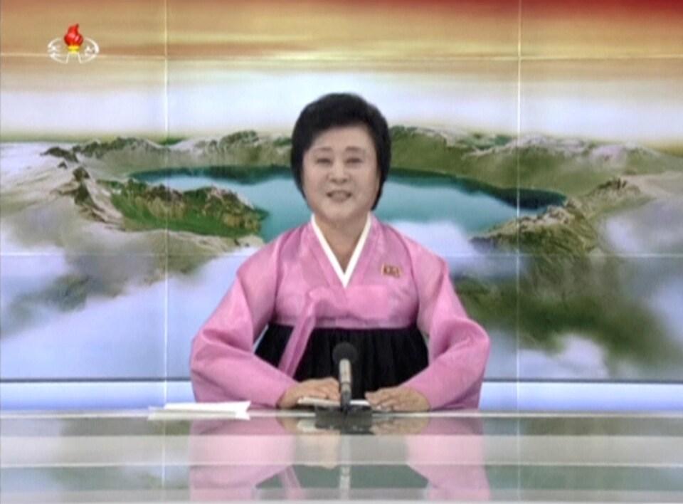 La présentatrice de nouvelles de la télévision d'État nord-coréenne a évoqué avec émotion un essai «historique».