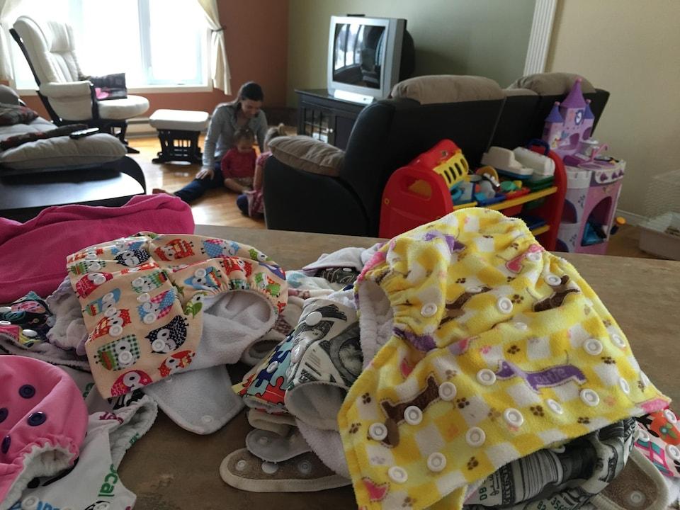 Véronique Flibotte utilise des couches lavables pour sa petite Alexanne.