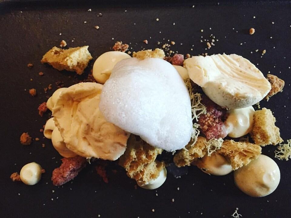 Le dessert aux lactaires à saveur d'érable du Légende par la Tanière