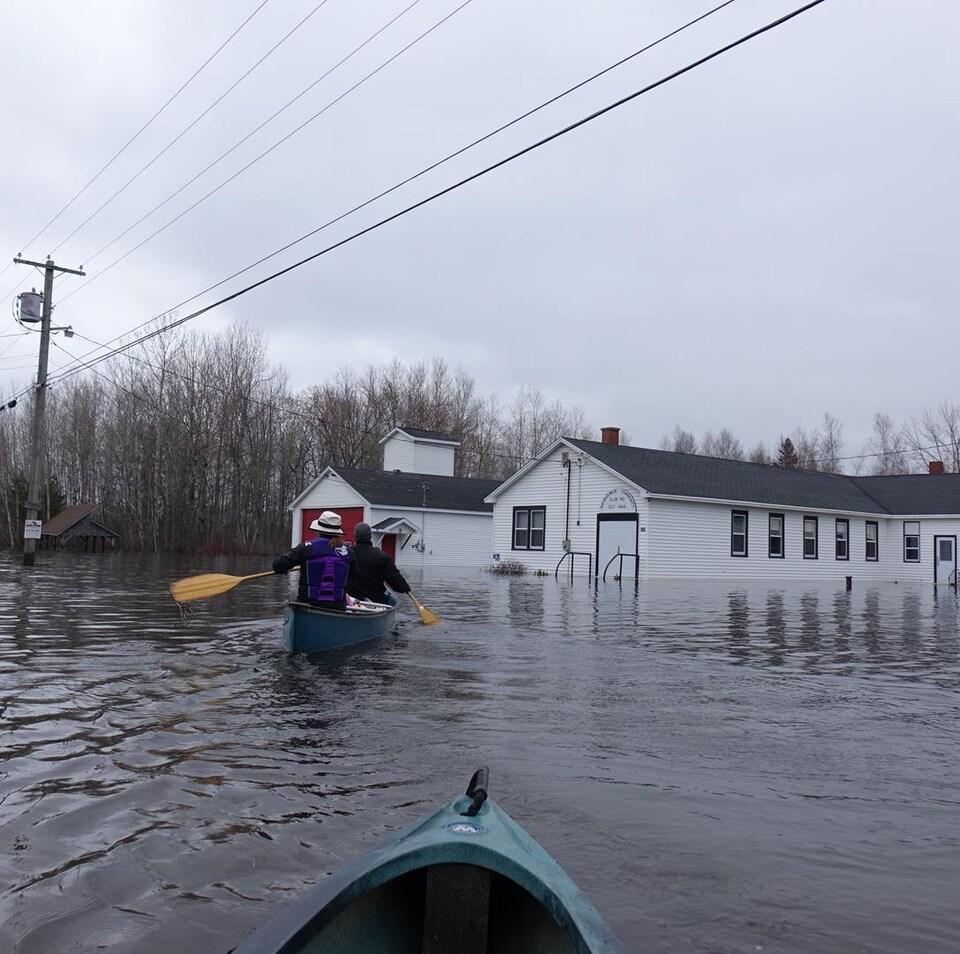 La route qui mène à l'île Darlings est souvent inondée, mais la plupart des résidents affirment que la situation cette année est sans précédent.