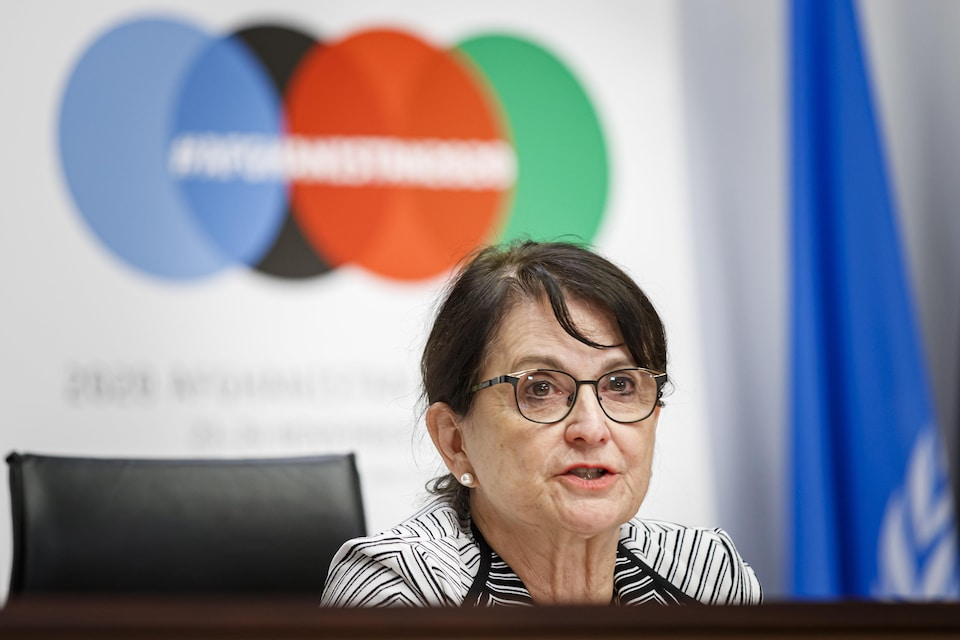 Deborah Lyons en conférence de presse.