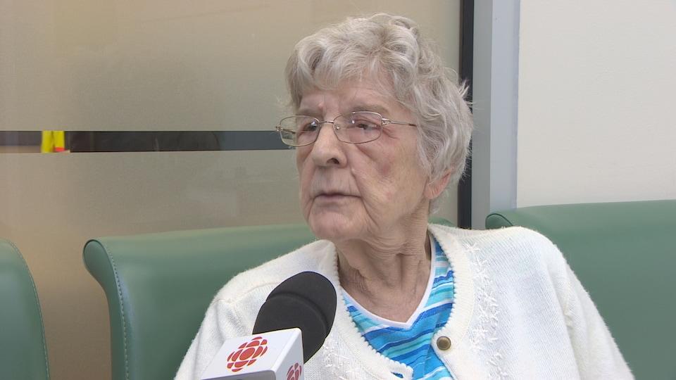 Theresa DeBoth s'inquiète pour les personnes avec des problèmes de santé qui ne pourront plus utiliser les services de la STC.