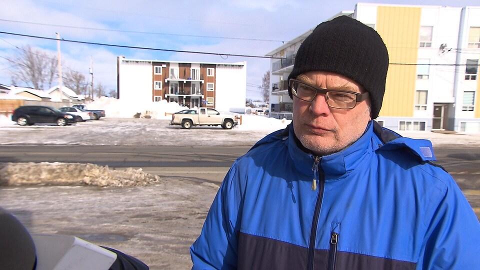 Denis Bouchard est porte-parole du comité citoyen de défense de l'air et de l'eau de Sept-Îles.