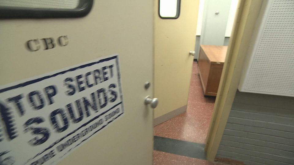 L'abri nucléaire de Debert comportait même un studio de radio de CBC/Radio-Canada.