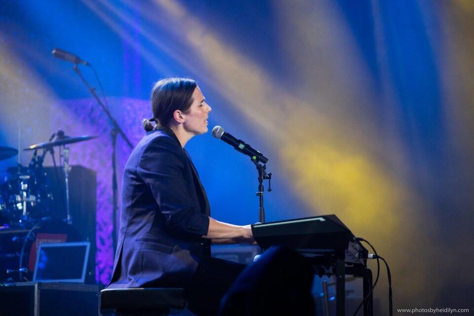 Rose Cousins lors du Gala de l'industrie aux Prix de la musique de la côte Est en 2019.