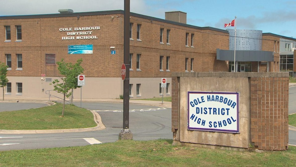 L'école secondaire du district de Cole Harbour.
