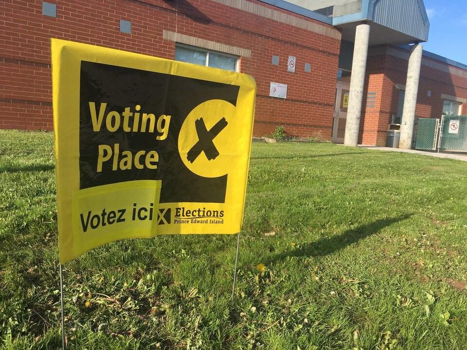 Affiche indiquant où voter.