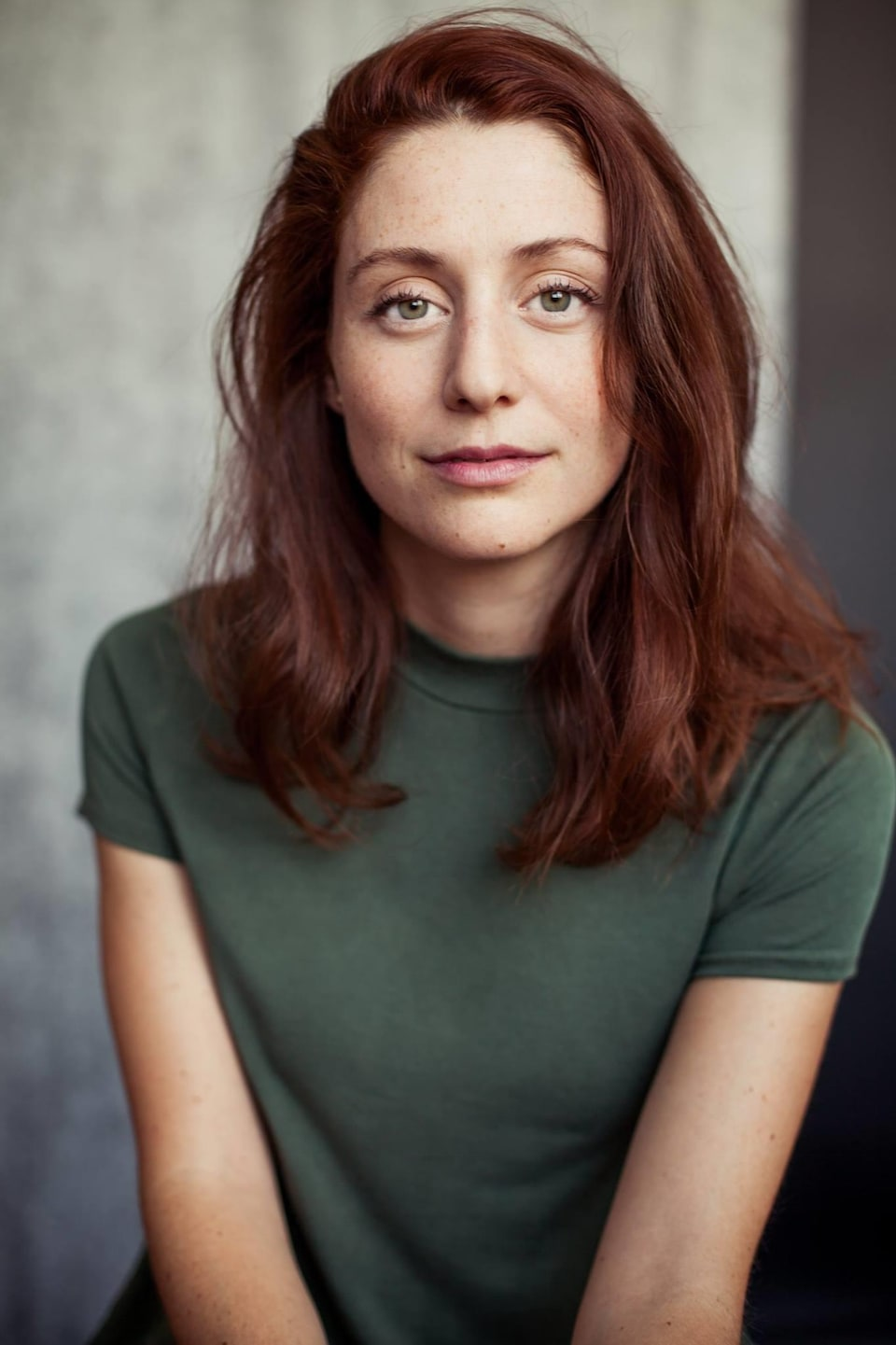 Photo de presse de la comédienne Élodie Grenier.
