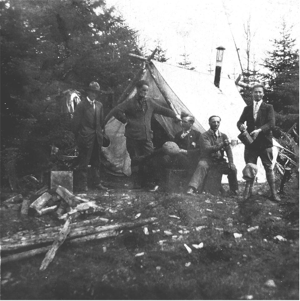 Des Villarins dans l'Ouest canadien au début du 20e siècle