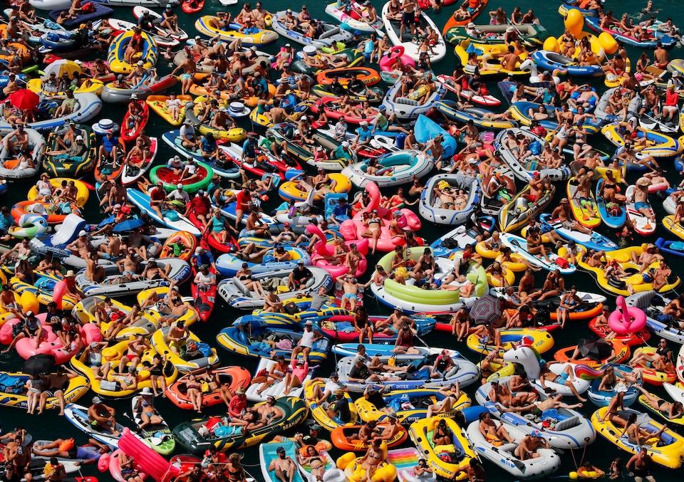 Des baigneurs en Suisse.