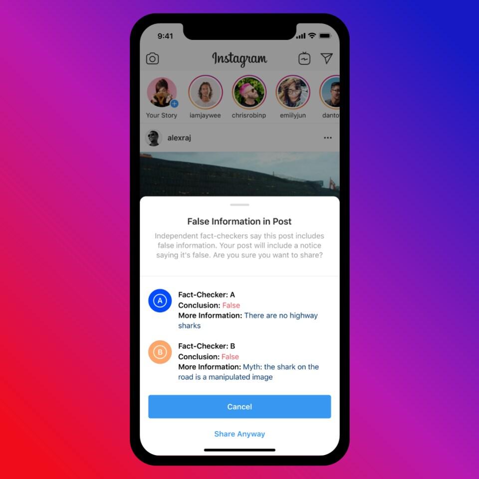 Téléphone montrant une page Instagram avec la mention « Fausse information dans la publication » en anglais