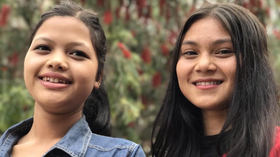 Ces deux adolescentes de Shillong âgées de 18 et 19 ans se sentent en sécurité et respectées par les hommes. Elles se disent fières d'être des filles.