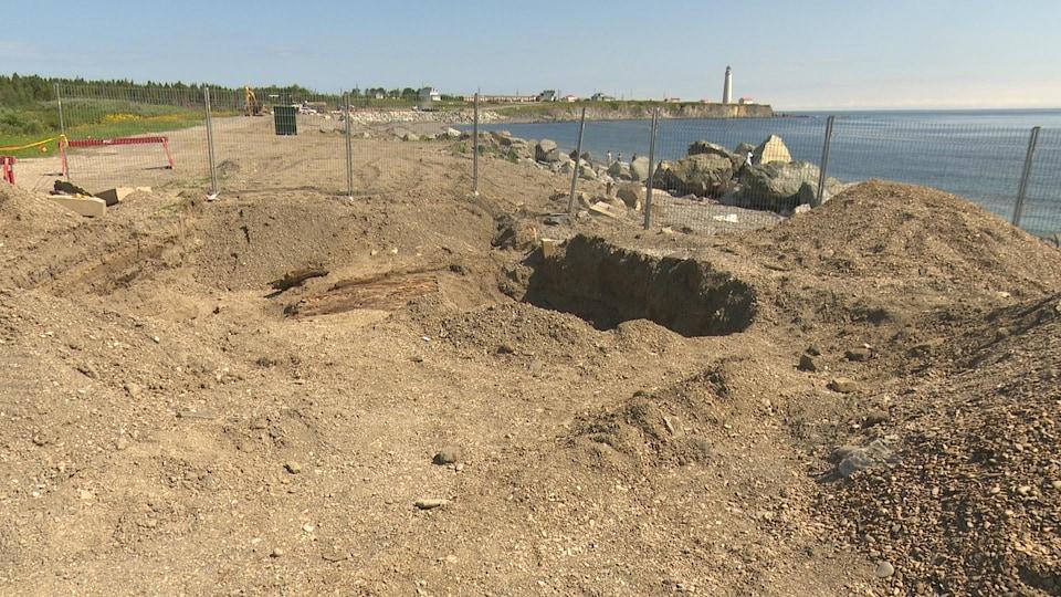 Des fouilles archéologiques ont été réalisées au parc Forillon à l'été 2016 avant de débuter les travaux.
