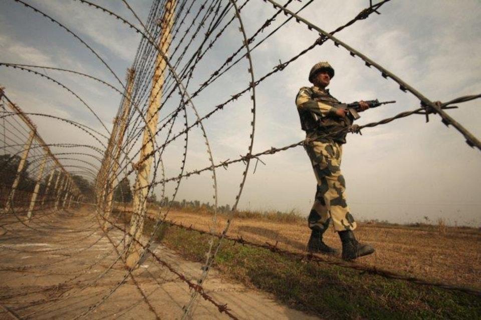 L'Inde a annoncé en mars qu'elle va clôturer l'ensemble de ses 3000 kilomètres de frontière avec le Pakistan.