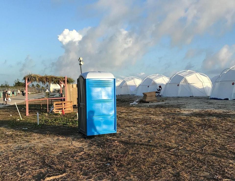 Les installations du Fyre Festival, aux îles Exumas des Bahamas
